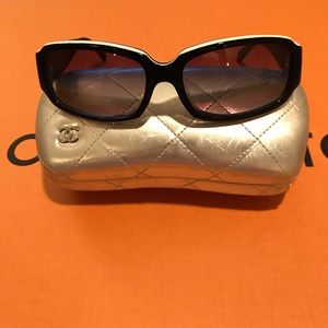 Chanel Black Color Sunglasses W/Large CC Logo